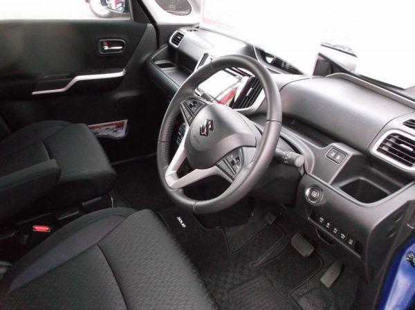 ソリオバンディットの運転席画像
