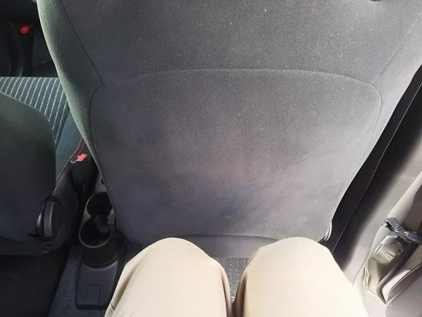 アルトワークス5MT後部座席の足元スペース