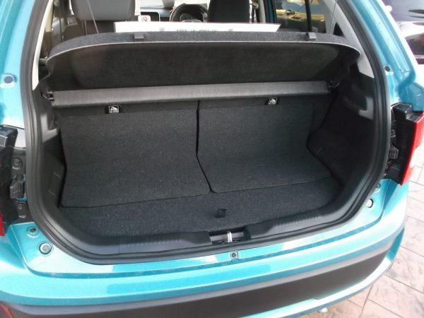 新型イグニスの荷室