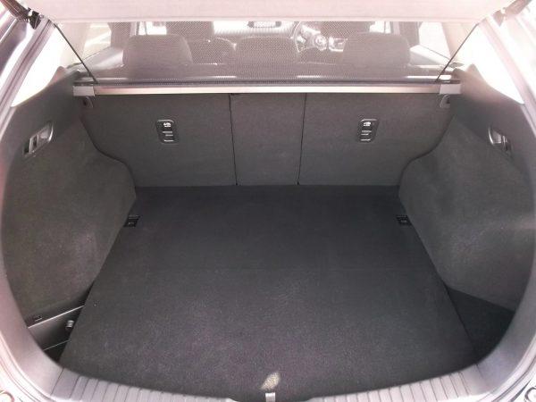 CX-5ディーゼルの荷室