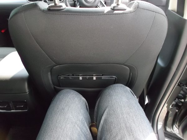 CX-5ディーゼル後部座席の足元スペース