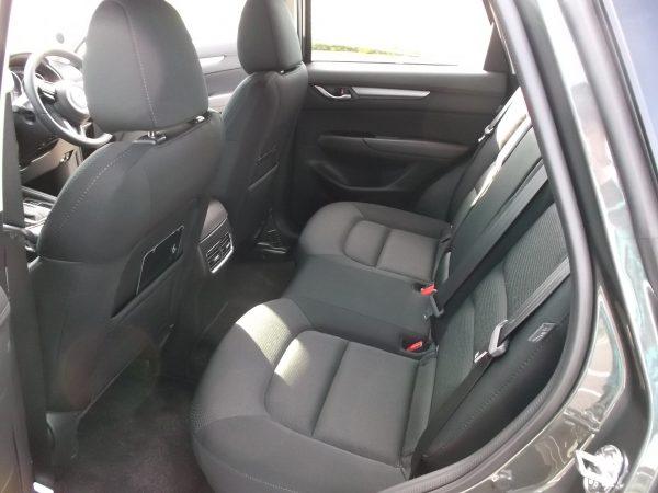 CX-5・ディーゼル後部座席