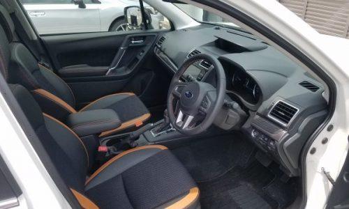 フォレスターX-BREAKの運転席