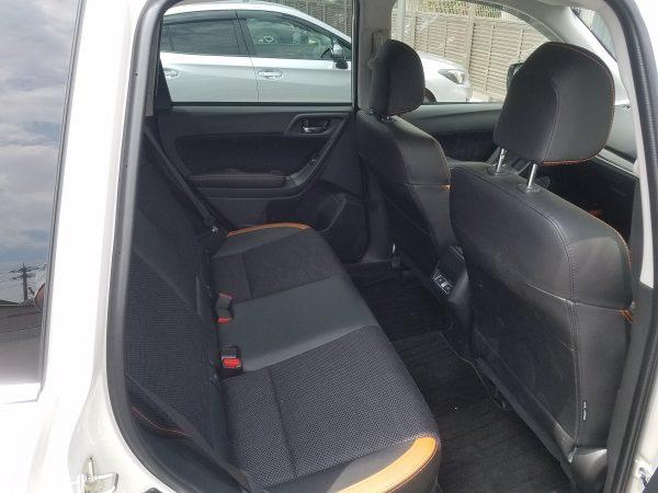 フォレスターX-BREAKの後部座席