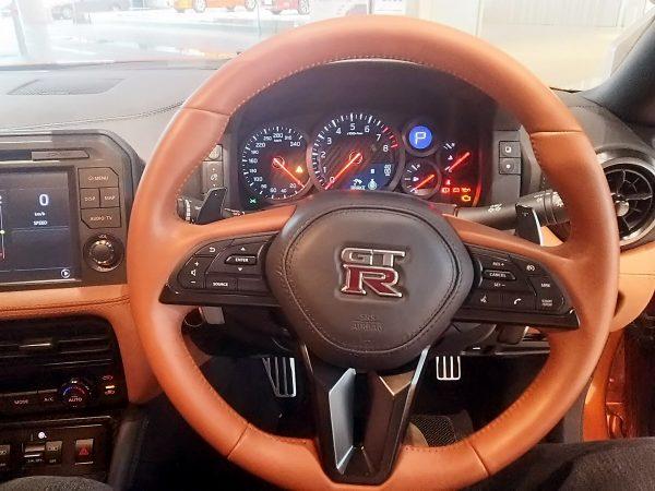 GT-Rのハンドル
