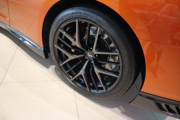 GT-Rのタイヤ画像