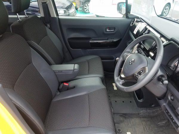ハスラーJスタイルの運転席画像