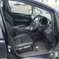 シャトルの運転席画像