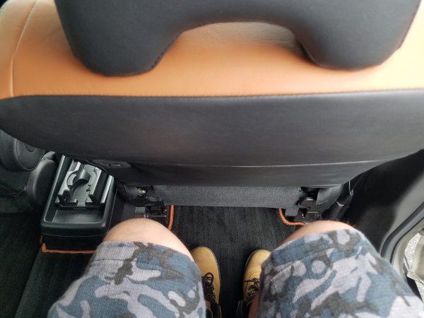 クロスオーバー7の座席スペース