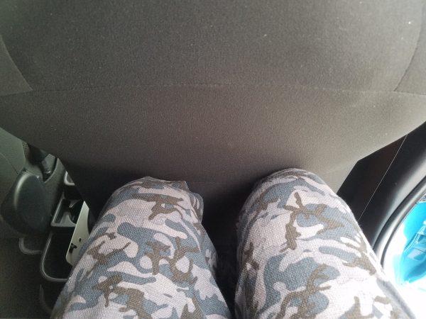 ヴィッツハイブリッドの後部座席の足元