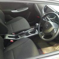 バレーノの運転席画像