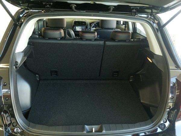 RVR『アクティブギア2WD』の荷室画像