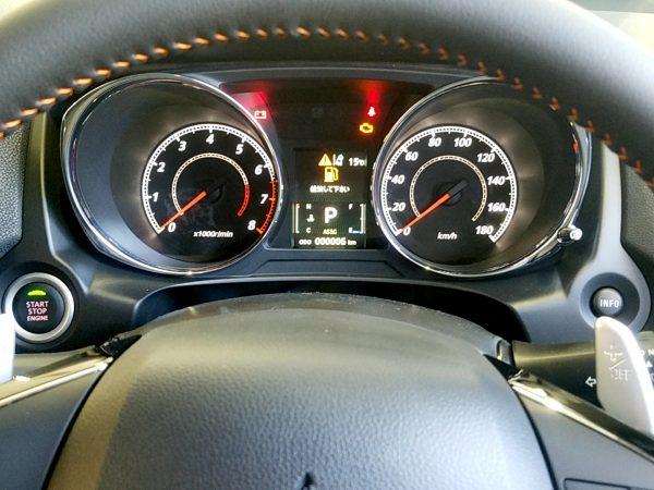 RVR『アクティブギア2WD』のメーター