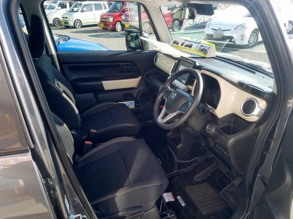 XBEE『ハイブリッドMX』の運転席