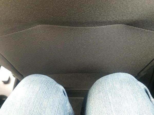 トゥインゴの後部座席シートの足元
