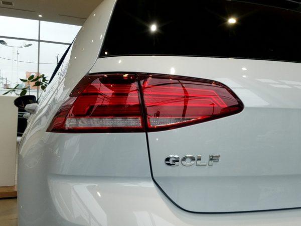 「ゴルフ」TSI Comfortline Tech Editionのコンビネーションランプ