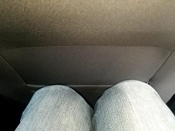 「ゴルフ」TSI Comfortline Tech Editionの後部座席に座った時の足元