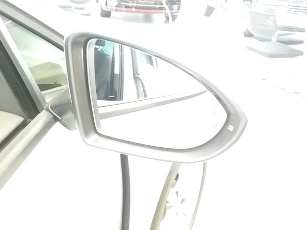 VWゴルフのサイドミラー