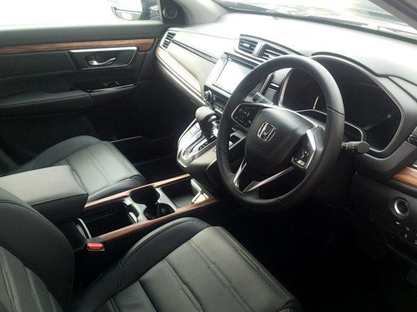 CR-V・EXの運転席画像