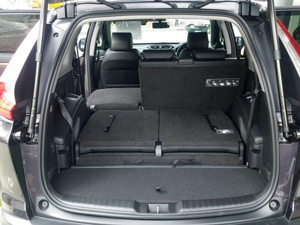 CR-V・EXの荷室(3列目と後部座席の片側収納時)