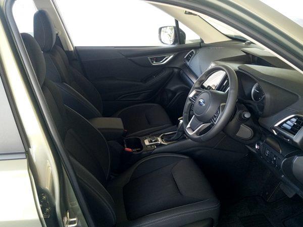 フォレスターTouringの運転席画像
