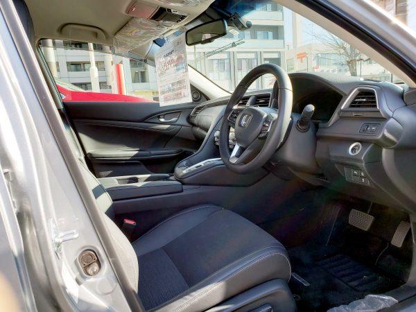 ホンダ「インサイト」EXの運転席画像