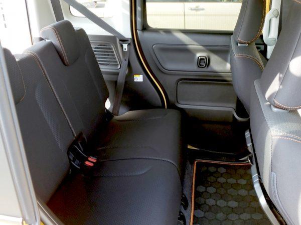 スペーシアギア「XZターボ」の後部座席画像