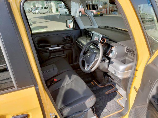 スペーシアギア「XZターボ」の運転席画像