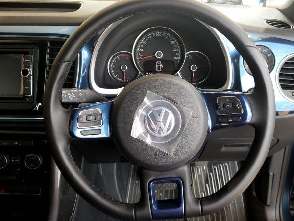 ビートルの運転席画像